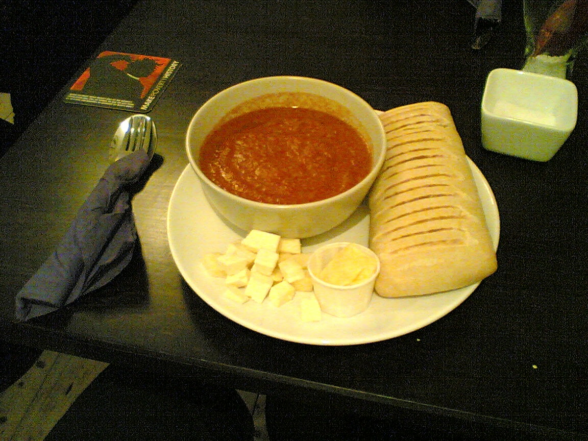 Tomato soup with bread and cheese