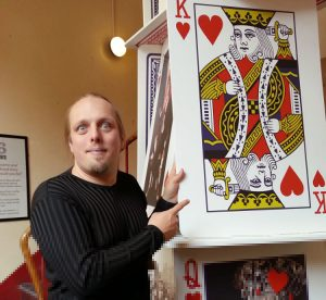 Dan Q with an enormous King of Hearts