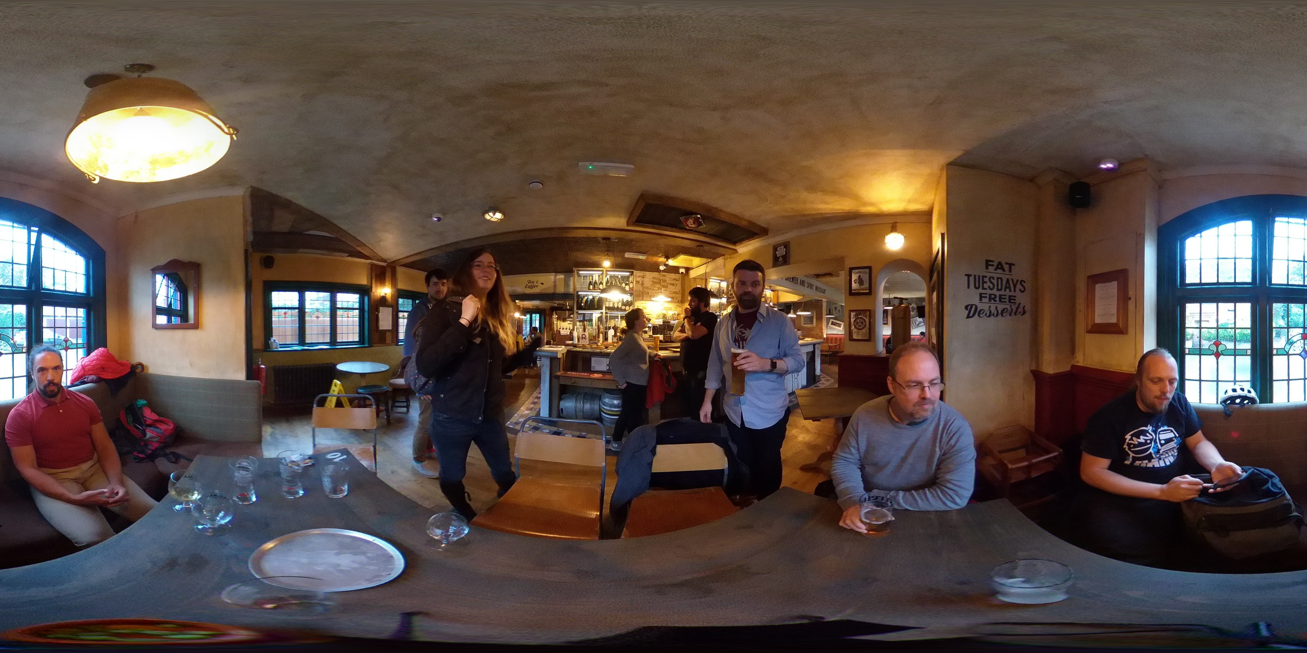 360 degree photo of IndieWebCamp Oxford 2018 Day 1 participants at the pub afterwards
